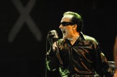 David Vanian: The Damned – Interview  http://louderthanwar.com/david-vanian-damned-interview/