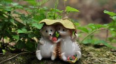Aliexpress.com : Buy 10 Pcs hedgehogs eating strawberry/miniatures/lovely animals/fairy garden gnome/terrarium decoration/resin from Reliable garden container suppliers on Thumb High
