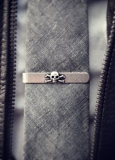 Tie clip with an edge.