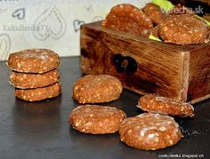 Celozrnné medové kolieska so sezamom (fotorecept) Sweet Cookies, Culinary Arts, Healthy Desserts, Valspar, Christmas Cookies, Tiramisu, Muffin, Goodies, Health Fitness