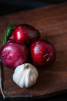 Pic: garlic and onion