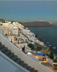 Oia, Santorini-Greece