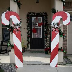Festive Outdoor Christmas Decoration Ideas On A Budget 50 Whoville Christmas, Christmas Yard Art, Outdoor Christmas Decorations, Christmas Candy, Christmas Lights, Christmas Holidays, Christmas Crafts, Holiday Decor, Christmas Parties