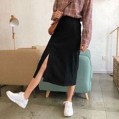 Slit a-line midi skirt click source if ur interested! Korean Skirt Outfits, A Line Skirt Outfits, Modest Outfits, Modest Clothing, Women's Clothing, Casual Outfits, Look Fashion, Korean Fashion, Fashion Outfits