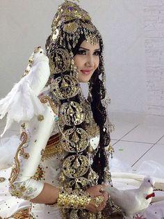 Oğuz-Türkmen Gelinlik Kıyafetleri ve Takıları /Türkmenistan