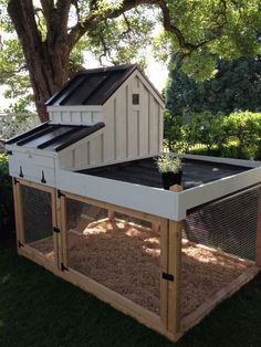 Chicken Coop great coop for small suburban back yard with the ability to disassemble for moving.not sure about the planting area above pen, but maybe?