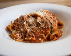 Los Poblanos' Spaghetti With Ultra-Slow Marinara Sauce http://www.rodalesorganiclife.com/food/americas-best-chefs-just-leaked-their-top-secret-vegetarian-recipes/los-poblanos-spaghetti-with-ultra-slow-marinara-sauce