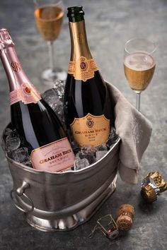 Board: Champagne and Wine Champagne Party, Rose Champagne, Wine Photography, In Vino Veritas, Sparkling Wine, Wine Drinks, Bar Drinks, Alcoholic Drinks, Fine Wine