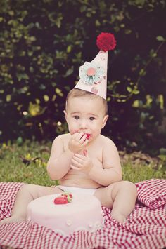 Strawberry first birthday pictures | cake smash