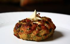Lump Crab Cakes w/Jalapeno Aioli for Feast of the Seven Fishes #Christmas #ChristmasEve