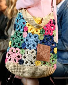 The takeaway: 10 of the most stylish trends from the shows – a photo essay Details at Loewe RTW Spring 2019 Details at Loewe RTW Spring 2019 The post Details at Loewe RTW Spring 2019 appeared first on Daily Shares. crochet bag Loewe - After one month, f Mode Crochet, Crochet Shell Stitch, Crochet Tote, Crochet Handbags, Crochet Purses, Easy Crochet, Crochet Stitches, Knit Crochet, Crochet Patterns