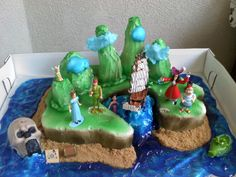 Peter Pan birthday cake.... must come up w some ideas for my girl's special day!...