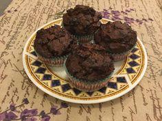 Αυτά τα Brownie-Muffin  βγήκαν ακριβώς όπως τα είχα φανταστεί και είχα  ανάγκη . Υπερ- σοκολατένια , χωρίς να λιγώνουν, αλλά να καλύπτ...