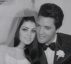 Priscilla Presley and Elvis Presley Lisa Marie Presley, Priscilla Presley Wedding, Elvis Presley Priscilla, Elvis Presley Family, Elvis Presley Photos, Elvis Wedding, Wedding Day, Wedding Black, Budget Wedding