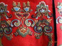 Scandinavian Embroidery, Scandinavian Art, Finger Weaving, Color Shapes, Folk Costume, Embroidery Applique, My Favorite Color, Folk Art, Needlework