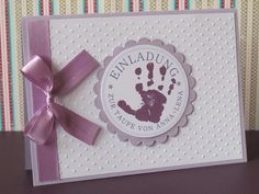 Hier handelt es sich um eine besondere Einladungskarte zur Taufe. Die Karte wird mit den Daten des Täuflings bedruckt und in liebevoller Handarbeit...