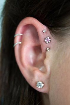 Love the forward helix piercings
