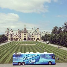 American Idol made a quick stop at Biltmore House on Aug 24. The crew is visiting historic sites on their way to auditions in NC.