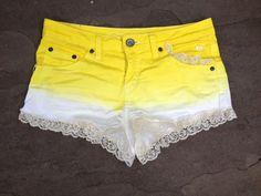 short degradê amarelo e branco com renda na barra