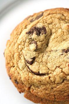 Mocha Chip Meringues | Amandeleine | My Baking | Pinterest | Meringue ...