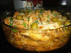 Ingredientes  500 g de macarrão (gravatinha, pene, fusilli..) 1 lata de creme de leite 1 lata de molho de tomate 2 caldos de galinha dissolvido Sal a gosto    Modo de