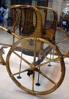Golden chariot found in the tomb of Tutankhamun. An excellent model of the Egyptian Chariot (not a replica) at the Cairo Museum. Ancient Egypt Pharaohs, Ancient Egyptian Art, Ancient Civilizations, Ancient History, European History, Ancient Aliens, Ancient Greece, American History, Kemet Egypt