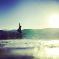 Living the surfing life Skate Surf, Hang Ten, Surf Style, Surfs Up, Summer Beach, Summer Time, Fresh Water, Surfboard, Surfing