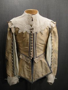 Doublet Men's Cavalier Lt Peach Blue Silk (My note: the collar is not period. Renaissance Mode, Renaissance Costume, Medieval Costume, Renaissance Fashion, 17th Century Clothing, 17th Century Fashion, Historical Costume, Historical Clothing, Baroque Fashion