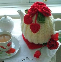 Handmade Hearts And Flowers Tea Cosy Knitting Projects, Crochet Projects, Knitting Patterns, Tea Cosy Pattern, Teapot Cover, Knitted Tea Cosies, Mug Cozy, Crochet Accessories, Patch