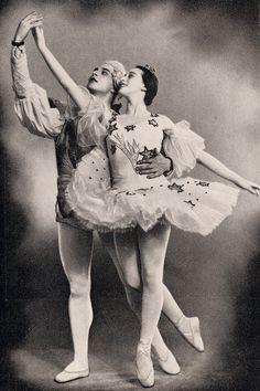 Kirov Ballet Nina Timfeyeva and Igor Uksusnikov in 'Casse Noisette' (Vainonen version) - early 1950's.