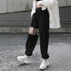 [EAM] 2019 New Spring Autumn High Elastic Waist Loose Pearls Hollow Out Pockets Long Pants Women Trousers Fashion Tide Egirl Fashion, Korean Girl Fashion, Korean Street Fashion, Fashion Pants, Korean Fashion Styles, Asian Fashion, Edgy Outfits, Korean Outfits, Kpop Outfits