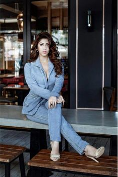 5 Dress Styles That Will Make You Look Thinner. While particular ladies wear products you see on the runway might look terrific on models, they might not look great on every woman. Beautiful Bollywood Actress, Beautiful Indian Actress, Indian Actress Hot Pics, Indian Actresses, Beautiful Girl Image, Gorgeous Women, Beautiful Heroine, Gorgeous Lady, Beauty Full Girl