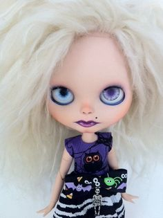 Custom Blythe Doll OOAK named Izzy Moon by by EmmyBlythe