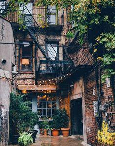 Somewhere in New York : CozyPlaces autumninnewyork Somewhere in New York : Cozy.Somewhere in New York : CozyPlaces autumninnewyork Somewhere in New York : CozyPlacesEine geschäftige New Yorker Designerwohnung - De . Future House, My House, Arquitectura Wallpaper, Exterior Design, Interior And Exterior, Autumn In New York, Dream Apartment, New York City Apartment, New York Apartments