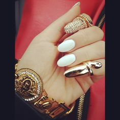 fashion,gold,bracelets,awesome,nails,rich,girl,luxury,omg,
