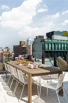 Entertaining spaces spill into the outdoors of this NoHo apartment. On the roof, multiple dining areas create an outdoor urban oasis and cater to the couple's love of grilling. Outdoor Furniture Stores, Clearance Outdoor Furniture, Woven Dining Chairs, Patio Store, Unique Floor Plans, Serene Bedroom, Outdoor Spaces, Outdoor Decor, Lounges