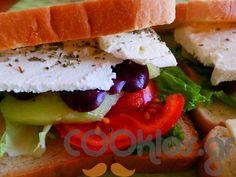 Σαντουιτσάκια με φέτα και ελιές - Συνταγή εύκολες - Σχετικά με Ορεκτικά, Σάντουιτς - σνακ, Κρύα σάντουιτς - Ποσότητα 1 άτομο - Χρόνος ετοιμασίας λιγότερο από 30 λεπτά Feta, Hamburger, Sushi, Sandwiches, Food And Drink, Ethnic Recipes, Tortillas, Mince Pies, Burgers