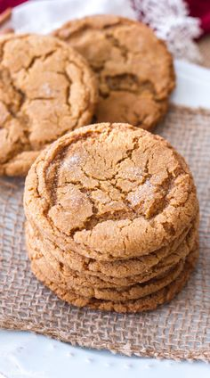 These chewy molasses sugar cookies are one of my favorite Christmas cookie recipes! They are rich, chewy, and have just a hint of spice to make them perfect for the holidays! Chewy Sugar Cookies, Molasses Cookies, Sugar Cookies Recipe, Cookie Recipes, Cookie Ideas, Bread Recipes, Baking Recipes, No Bake Desserts, Dessert Recipes