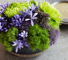 Flowers & moss arrangement