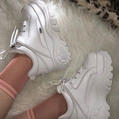 Shop Women's size Platforms at a discounted price at Poshmark. Description: amazing buffalo shoes, women's size comfortable. worn twice for photos indoors! Goth Shoes, Women's Shoes, Me Too Shoes, Shoe Boots, Shoes Sneakers, White Platform Sneakers, 90s Shoes, Sneakers Fashion, Fashion Shoes
