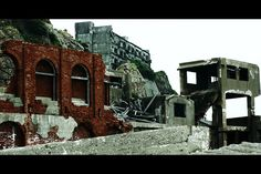 Hashima Island, an abandoned island off the coast of Japan. Nagasaki, Hiroshima, Hashima Island, Spooky Places, Old City, Abandoned Places, Apocalypse, Cities, Weird