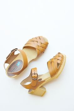 Betty Clog in Tan