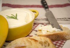 Vaj készítése otthon recept képpel. Hozzávalók és az elkészítés részletes leírása. A vaj készítése otthon elkészítési ideje: 30 perc Camembert Cheese, Dairy, Pudding, Homemade, Baking, Recipes, Food, Home Made, Custard Pudding