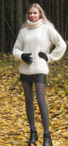 Chunky Knits, Women's Sweaters, Jumpers, Turtleneck, Patterns, Knitting, Beautiful, Beauty, Fashion