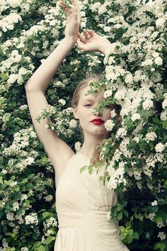 White flowers & red lipstick
