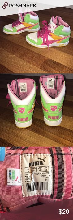 Vintage Puma High Tops NWOT, these have never been worn and are in great condition. Pumas Shoes, Shoes Sneakers, Puma High Tops, Vintage Sneakers, Pink And Green, Toms, Facts, Loafers & Slip Ons, Workout Shoes