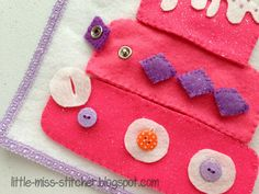 Little Miss Stitcher: Love this pink cake page!