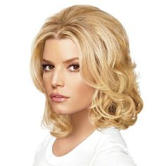 Hairdo's Bump Up The Volume Clip-In Extensions creates instant volume, fuller hair at the crown just where you need it most.