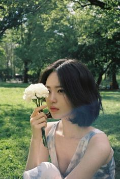 Image discovered by 🥺. Find images and videos about asian girl on We Heart It - the app to get lost in what you love. Hair Inspo, Hair Inspiration, Korean Short Hair, Ulzzang Short Hair, Shot Hair Styles, Hair Reference, Aesthetic Hair, Grunge Hair, Hair Looks