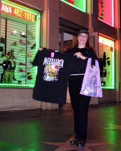 Me Wit A Cool Vintage Metallica Shirt Millenium I Bought It In Iguana Vintage Clothing Shop On Ho Vintage Clothes Shop Vintage Outfits Shopping Outfit